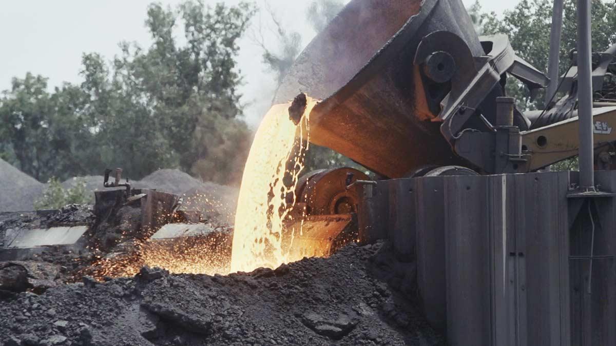 Slag Pot Pouring